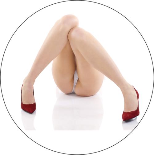 Rote High Heels und sexy lange Beine